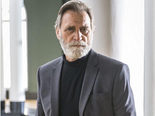 Herson Capri faz um poderoso sheik na novela Órfãos da terra
